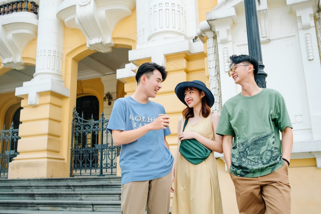 """Phố phường Hà Nội có cực nhiều tọa độ """"hot"""" nhưng UNIQLO Phạm Ngọc Thạch cũng vừa góp vui thêm một góc cực """"độc bạn đã biết chưa? - ảnh 8"""