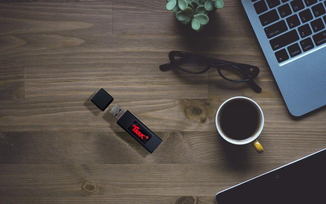 Trek Thumdrive Pro Metal – Đẳng cấp USB - Ảnh 4.