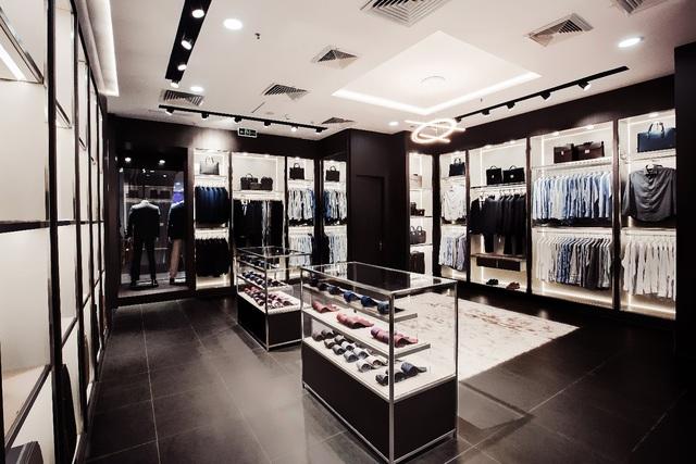 Valentino Creations tại Vincom Mega Mall Thảo Điền, Quận 2, TP. Hồ Chí Minh trở lại với diện mạo hoàn toàn mới. - Ảnh 1.