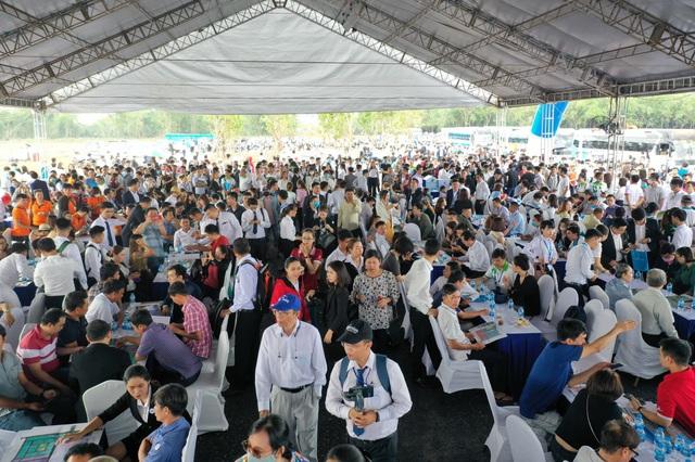 BĐS Long Thành thu hút gần 2.000 khách tham quan dự án Gem Sky World - Ảnh 1.
