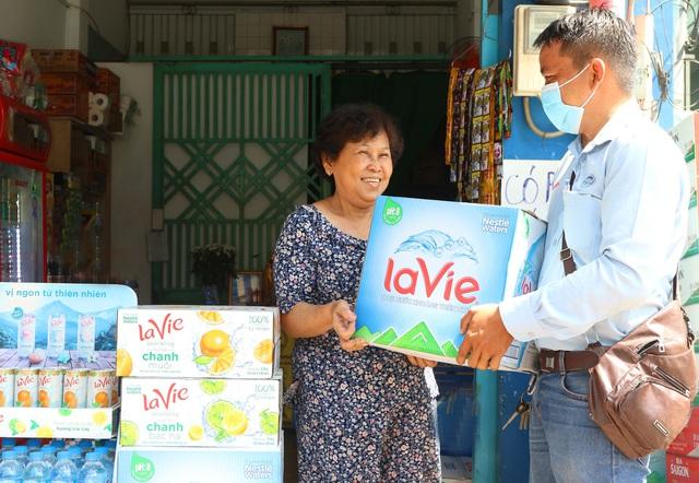 """Tổng Giám Đốc Nestlé Việt Nam: Hỗ trợ gần 22 tỷ đồng cho doanh nghiệp nhỏ để cùng """"Vượt thách thức, Đón thời cơ"""" hậu COVID-19 - Ảnh 1."""