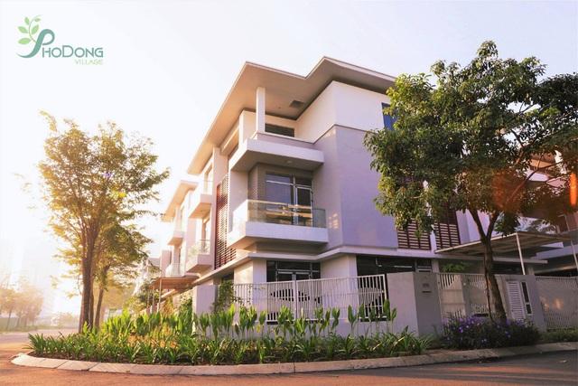 Giới đầu tư chuộng nhà phố, biệt thự tại khu Đông TP Hồ Chí Minh - Ảnh 2.