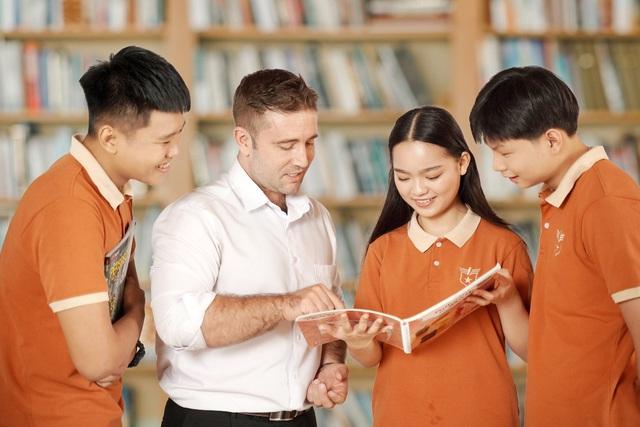 """Hội thảo """"Giáo dục ưu việt trong thế kỷ 21"""" cùng TS. Nguyễn Chí Hiếu - Ảnh 1."""