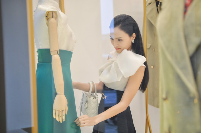 Khai trương thương hiệu thời trang Halita và chia sẻ của ca sĩ Cao Hồng - Ảnh 2.