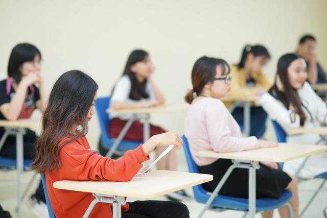 Bạn trẻ trăn trở tìm kiếm giải pháp cho việc du học sau đại dịch - ảnh 1