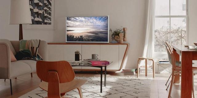 """Chiếc TV """"Đẹp không góc chết này chính là tương lai của nội thất công nghệ - Ảnh 3."""