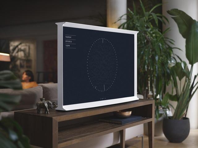 """Chiếc TV """"Đẹp không góc chết này chính là tương lai của nội thất công nghệ - Ảnh 4."""