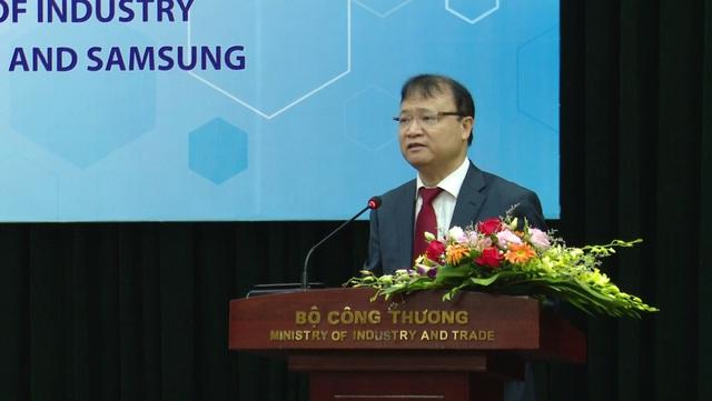 Bộ Công thương bắt tay Samsung đẩy mạnh thị trường khuôn mẫu 1 tỉ USD - Ảnh 1.