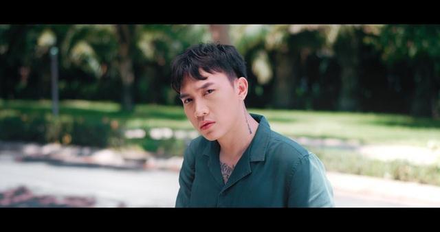"""Tình Kiếm 3D cùng Trịnh Đình Quang viết lên câu chuyện tình đẹp trong MV """"Không Thể Là Một Ai Khác"""" - Ảnh 2."""