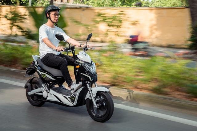 VinFast Impes – Xe máy điện gây 'nghiện' cho giới trẻ - Ảnh 2.