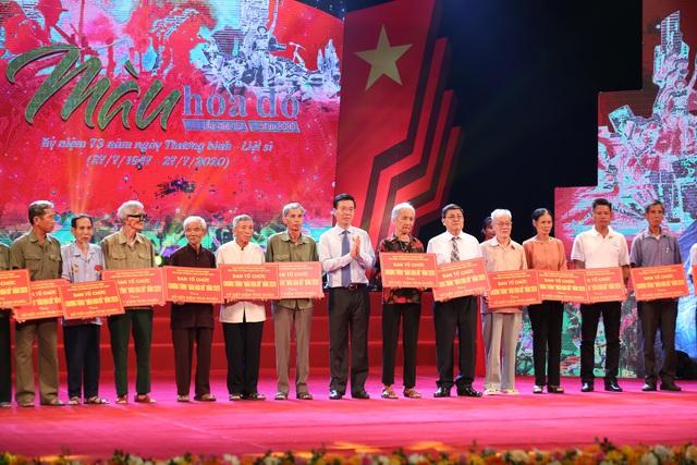 Chương trình Màu hoa đỏ - Món quà ý nghĩa tri ân những người có công - Ảnh 2.