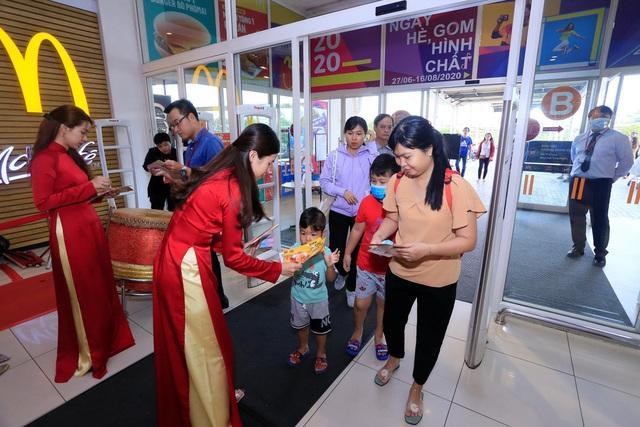 McDonald's khai trương nhà hàng mới tại Aeon Mall Bình Dương - Ảnh 1.