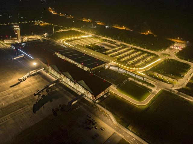 Đường bay Vân Đồn – Đà Nẵng hoạt động trở lại từ 30/7/2020 - Ảnh 1.