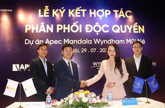 Apec Group ký kết phân phối độc quyền dự án tại Mũi Né với Queen Sea     - Ảnh 1.