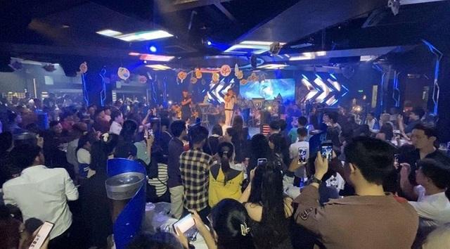 """Hòa mình cùng game thủ, anh Bo Đan Trường """"quẩy"""" hết mình tại Big Offline Tru Tiên 3D - Ảnh 3."""