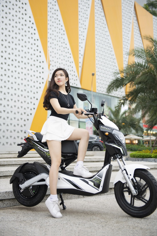Lựa chọn xe máy điện an toàn, tiết kiệm cho học sinh - Ảnh 1.