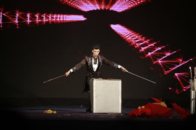 Mất chưa đến 5 phút đàn hát, nam sinh Quảng Bình chinh phục học bổng hàng trăm triệu đồng của ĐH FPT - ảnh 6