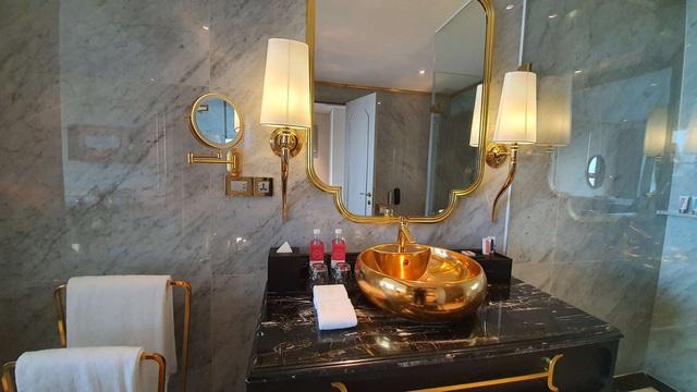 Khách sạn 6 sao mạ vàng - Hanoi Golden Lake Dolce By Wyndham - Ảnh 5.