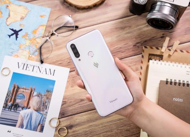 Cộng đồng Quốc tế hào hứng với điện thoại Vsmart Aris 5G Make in Vietnam - Ảnh 2.
