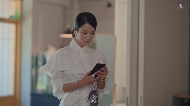 """Choáng toàn tập với loạt trang sức đáng giá gia tài tiền tỉ của điên nữ """"Điên Thì Có Sao"""" Seo Ye Ji - ảnh 5"""