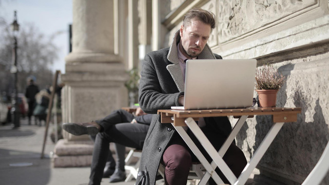 20 phút xem phim thạo tiếng Anh cho người bận với eJOY - Ảnh 1.