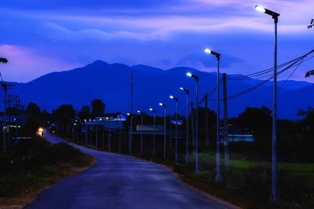Signify thúc đẩy ứng dụng đèn solar LED - Ảnh 2.