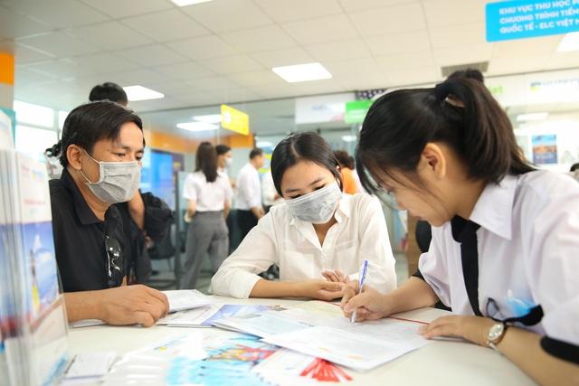 Nhiều thí sinh chọn nhập học trước khi biết kết quả xét tuyển theo điểm thi tốt nghiệp THPT - ảnh 1