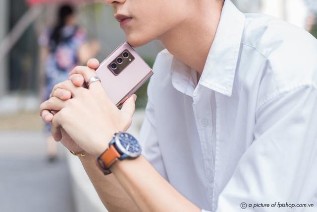 FPT Shop tặng đặc quyền siêu cao cấp cho khách đặt trước Galaxy Z Fold2 - Ảnh 1.