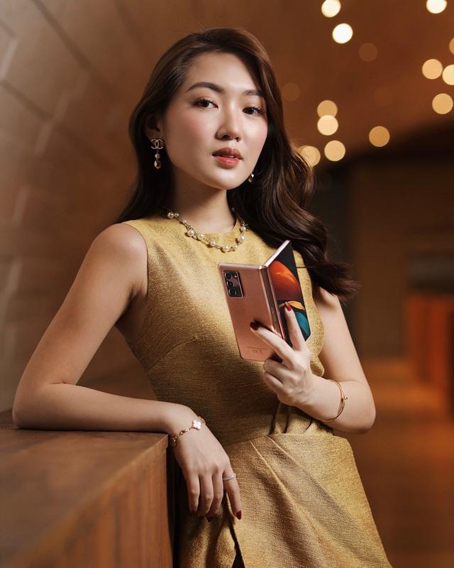 Giới trẻ thời thượng thể hiện đẳng cấp bản thân với smartphone màn hình gập Galaxy Z Fold2 của Samsung - ảnh 2