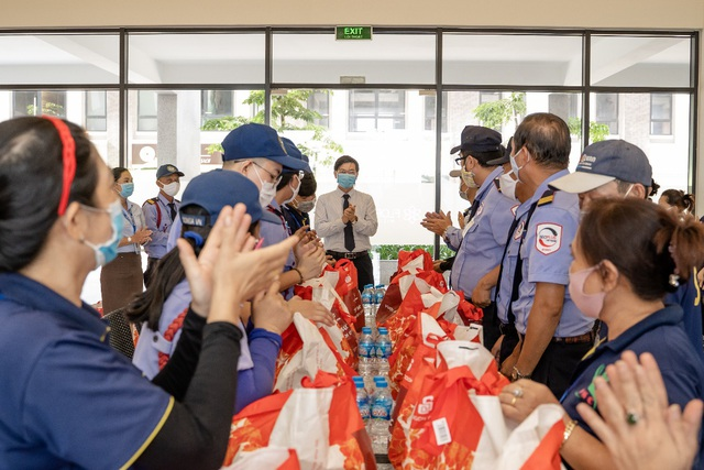 Những con người thầm lặng góp phần phòng chống dịch ở khu đô thị Mizuki Park - Ảnh 6.