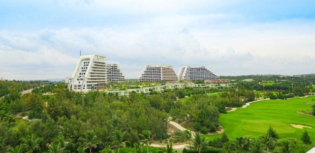 Tập đoàn FLC chuẩn bị khánh thành khách sạn lớn bậc nhất Việt Nam tại Quy Nhơn - Ảnh 1.