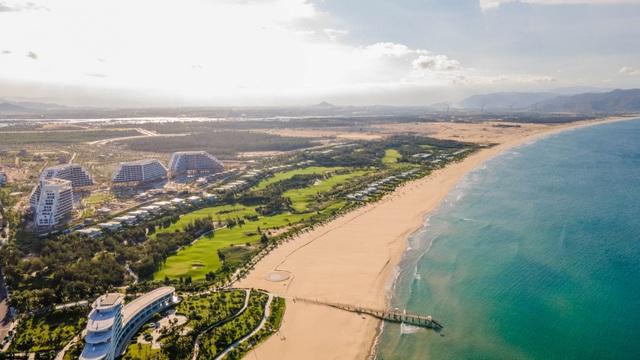 Tập đoàn FLC chuẩn bị khánh thành khách sạn lớn bậc nhất Việt Nam tại Quy Nhơn - Ảnh 2.