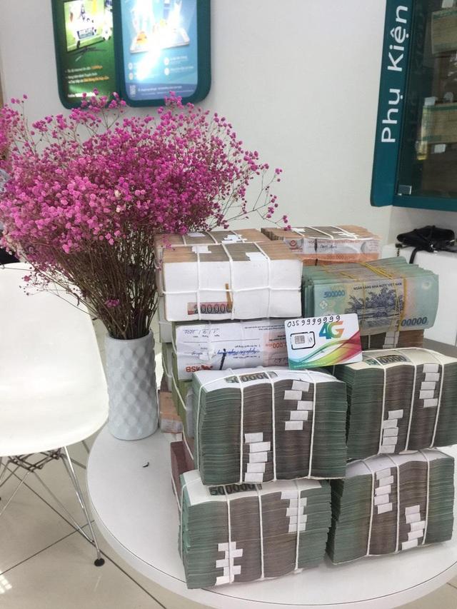 Công ty tại Ninh Bình bỏ hơn chục tỷ để mua sim khủng - Ảnh 2.