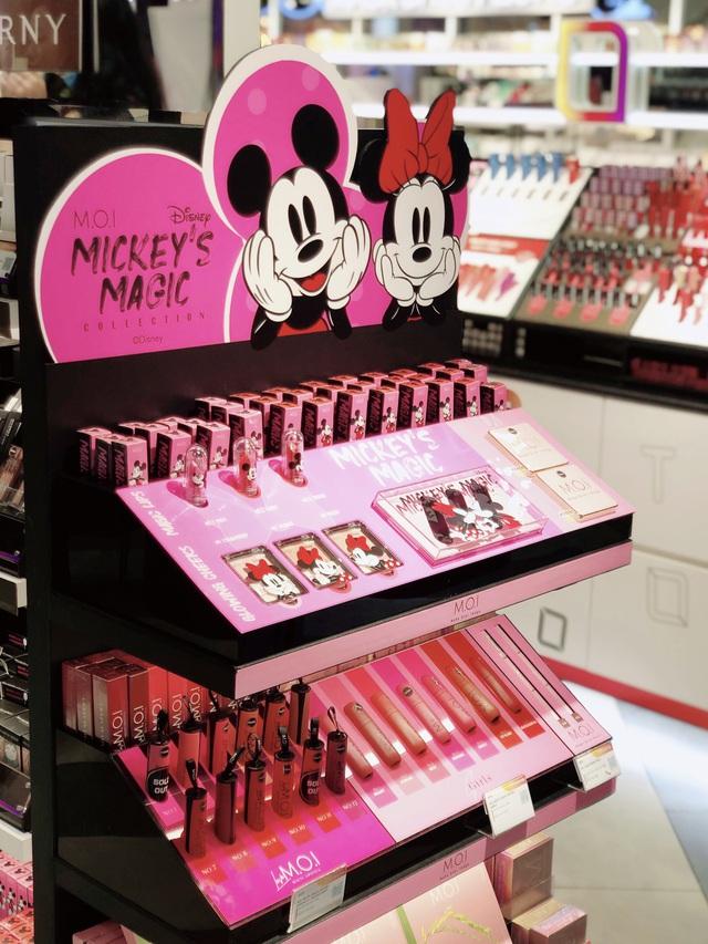Hội nghiện makeup chen chúc đông nghẹt để tận tay rinh về bộ mỹ phẩm đáng yêu của M.O.I Cosmetics bắt tay với Disney - ảnh 4