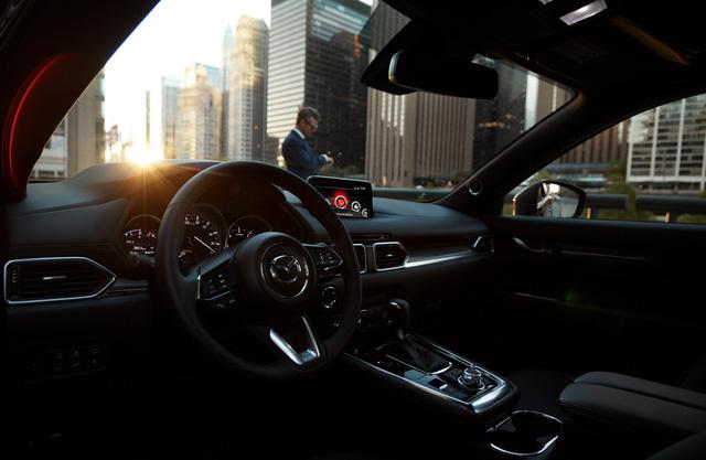 Tại sao động cơ xăng trên Mazda CX-8 ngày càng được ưa chuộng - Ảnh 2.