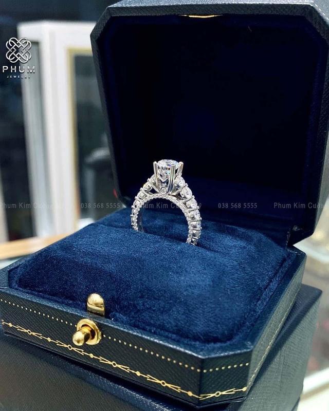 Khám phá PHUM - thương hiệu trang sức thiết kế từ kim cương thanh lịch, đẳng cấp - Ảnh 2.