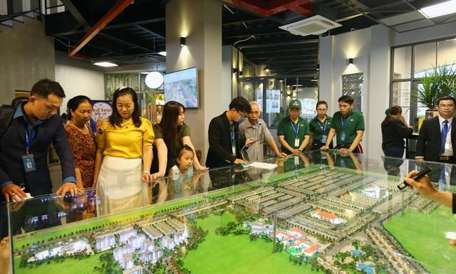 Chính thức khánh thành khu kinh tế đêm tại thành phố Đồng Xoài - Ảnh 2.