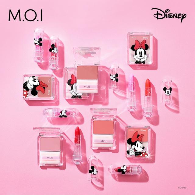 Vì sao BST son phấn M.O.I Cosmetics bắt tay với Disney của Hà Hồ lại khiến hàng loạt sao Việt thả tim ngập trời thế này? - ảnh 1