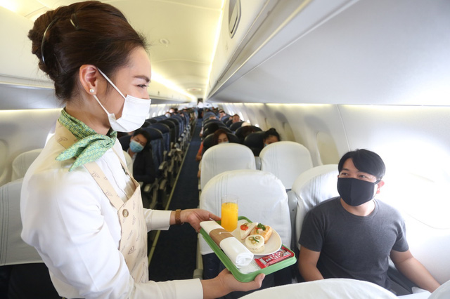 Cận cảnh trải nghiệm dịch vụ Thương gia trên đường bay tới Côn Đảo - Ảnh 3.