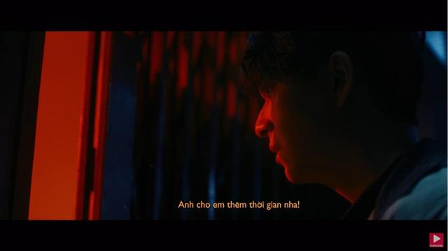 """Tình Kiếm 3D xuất hiện cùng dàn sao đình đám trong MV """"Chẳng Thể Giữ Lấy, Chẳng Đành Buông Tay"""" - Ngô Kiến Huy - Ảnh 7."""