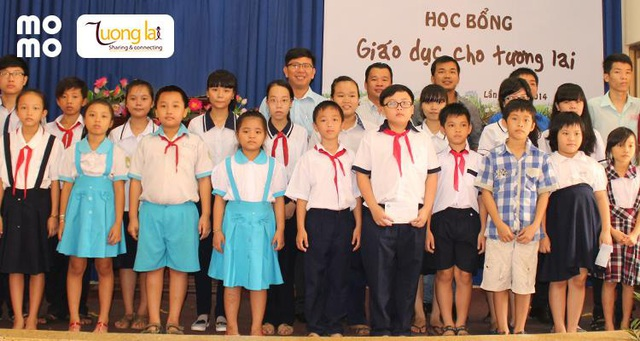 Chung tay cùng Ví MoMo, tặng 100 học bổng cho các em nhỏ có nguy cơ bỏ học vì Covid-19 - Ảnh 1.