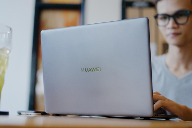 Huawei MateBook 13: 16GB RAM, Card đồ họa rời và còn nhiều điều ấn tượng hơn thế nữa - Ảnh 1.