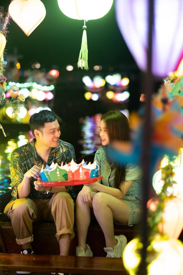 Cuộc hội ngộ của Quang Vinh, Linh Ka tại phố cổ: Hóa ra ai cũng mê Hội An đến vậy - Ảnh 6.