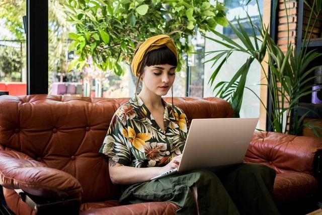 """Hành trình VivoBook A415/A515 trở thành """"bảo bối công nghệ"""" của giới trẻ - Ảnh 2."""