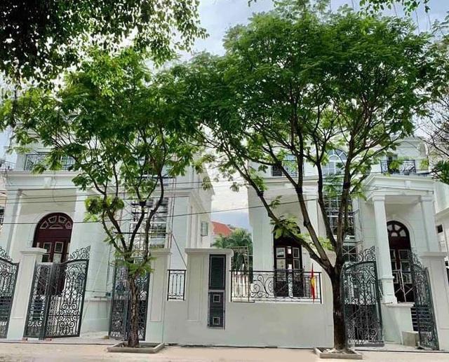 King Crown Village bàn giao 5 căn biệt thự đầu tiên cho khách hàng - Ảnh 1.