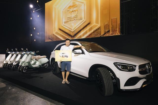 Trúng thưởng Mercedes, Honda CRV trong sự kiện 25 năm thành lập Van Phuc Group - Ảnh 2.