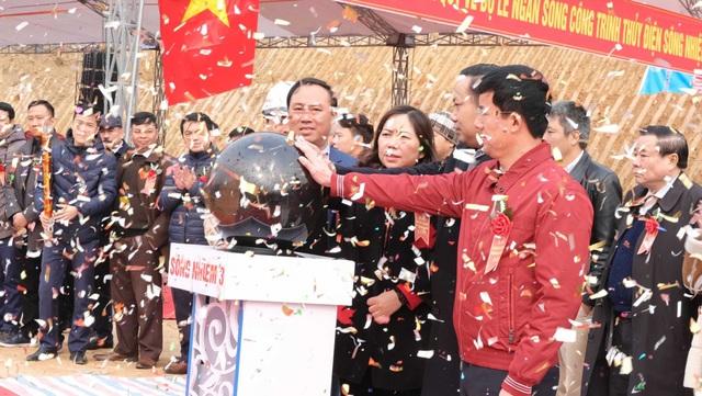 Licogi 13 tổ chức lễ ngăn sông Thủy điện Sông Nhiệm 3 - Ảnh 1.