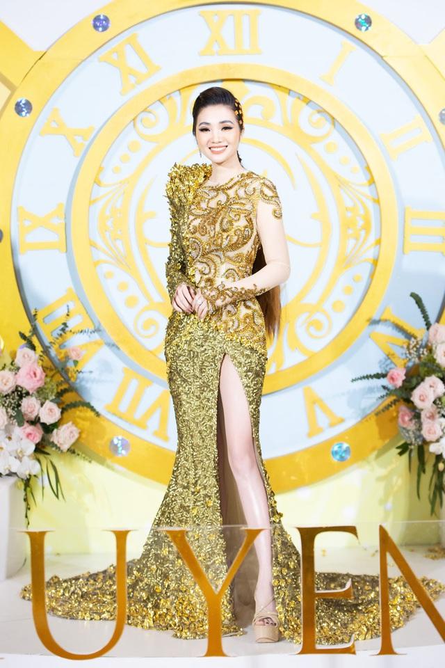 Toàn cảnh Đêm tiệc Nữ Vương hoành tráng và Sự lan tỏa sứ mệnh làm đẹp của Huyền Phi Cosmetics - Ảnh 1.