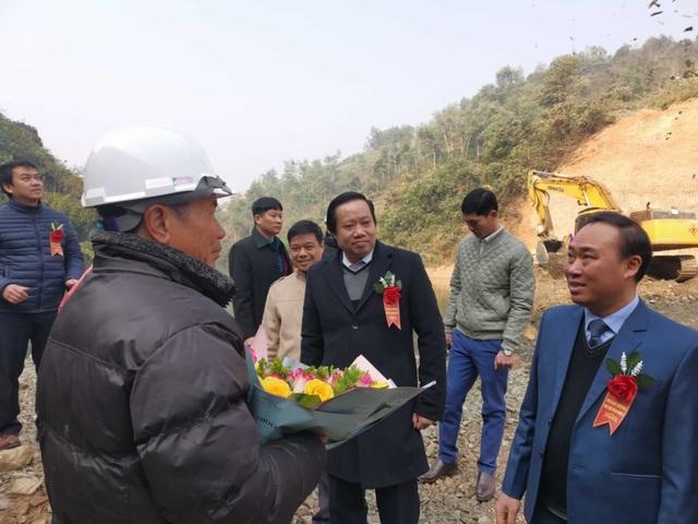 Licogi 13 tổ chức lễ ngăn sông Thủy điện Sông Nhiệm 3 - Ảnh 2.