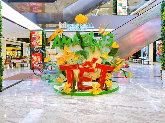 Amazing Tết - Đón năm mới diệu kỳ tại Menas Mall Saigon Airport - Ảnh 1.